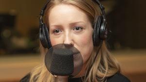 Maude Landry au micro de Catherine Perrin.
