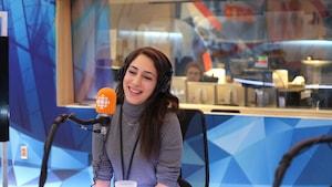 La comédienne et autrice Nathalie Doummar en entrevue au micro de Franco Nuovo.