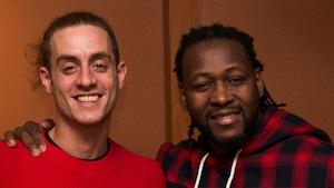 Ogden Ridjanovic alias Robert Nelson et Eddy King, les combattants du jour, dans le studio 18 de Radio-Canada