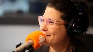 Érika Soucy en studio.