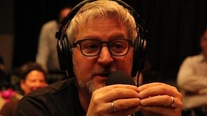 Benoît Brière énumère les nombreux rôles féminins qu'il a joués pendant sa carrière.