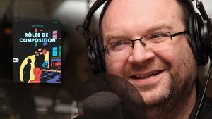 L'auteur Jimmy Beaulieu, qui vient de faire paraître <i>Rôles de composition</i>, est tout sourire dans nos studios.