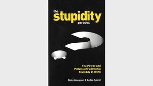 La couverture de l'ouvrage de Mats Alvesson et André Spicer