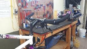 Un atelier de vélos