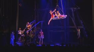 Le spectacle Saloon du Cirque Éloize