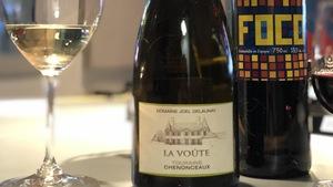 Cette semaine, la sommelière Caroline Chagnon nous fait rêver avec un vin blanc d'appellation Touraine Chenonceaux et voyager avec un garnacha espagnol!