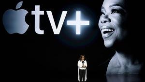 Oprah Winfrey prend la parole au théâtre Steve Jobs lors d'un lancement de produits Apple en mars 2019.