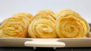 Les biscuits sont en forme de spirale.