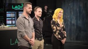 Les trois entrepreneurs font leur présentation sur le plateau de Dans l'oeil du dragon.