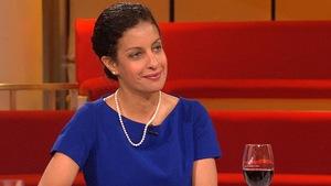 Dominique Anglade est à la table des invités.