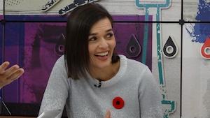 La collaboratrice sur le plateau de l'émission.