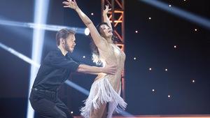 Joëlle Lanctôt et Martin Vachon dansent une rumba.