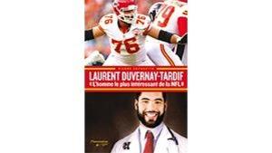 Deux photos de Laurent en couverture : dans un match de football et avec sa blouse de médecin.