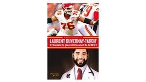 Une image de Laurent en costume de football et une autre avec son uniforme de médecin