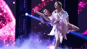 qu'Ariane Castellanos et Yan Rompré dansent une rumba.