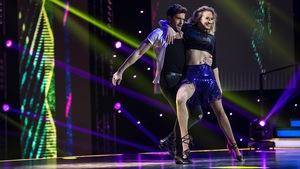 Éléonore Lagacé et Philippe Touzel dansent un jive.