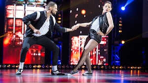 Mylène St-Sauveur et de Nico Racicot dansent un jive.