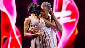 Sally Folk et Bruno Pelletier dansent une rumba