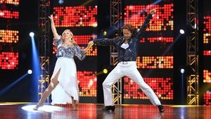 Patsy Galant et Mario Saint-Amant dansent un disco
