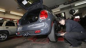 Est-il vrai ou faux que l'entreprise qui vous loue un véhicule le 13 décembre n'a pas l'obligation de le munir de pneus d'hiver?