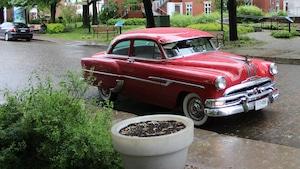 Pontiac Pathfinder 1953 rouge