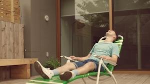 Mettre de la crème solaire