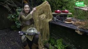 Comment Flora fabrique-t-elle ses pièges?
