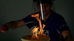 La torsade de feu et la corde vibrante