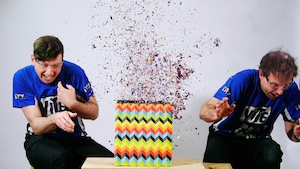 Boîte à surprises et cartes volantes