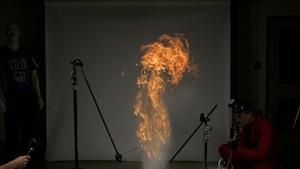 Farine enflammée et éclatement de ballounes en série