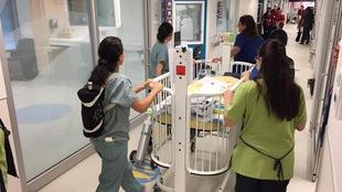 Emma, âgée d'une semaine, est la première à avoir été accueillie dans le nouveau pavillon du CHU Sainte-Justine.