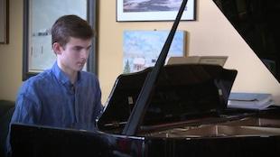 Callum Goulet-Kilgour de Saint-Boniface au Manitoba est un jeune virtuose âgé de 15 ans