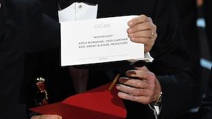 La carte sur laquelle est inscrit le lauréat du prix du meilleur film, « Moonlight », lors de la 89e cérémonie des Oscars
