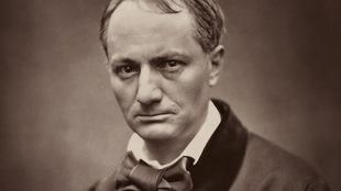 Photographie de Charles Baudelaire en noir et blanc.