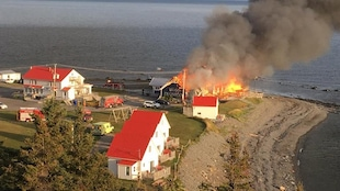 Le feu a été signalé vers 5 h mardi matin