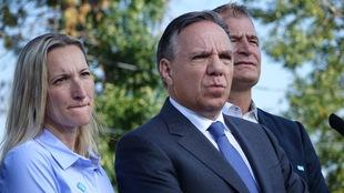 François Legault est en point de presse à Vaudreuil avec des candidats.