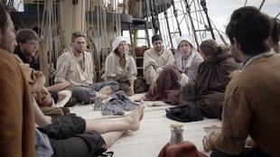 Des participants de l'émission « La grande traversée » sur le voilier l'Espérance