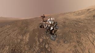 Un « autoportrait » du robot Curiosity, de la NASA, en direct de la planète Mars.