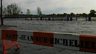 Saint-Jean-sur-Richelieu lors des inondations printanières de 2011
