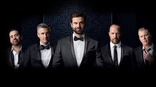 Jean-Sébastien Girard, Olivier Niquet, Jean-Philippe Wauthier, Fabien Cloutier et Fred Savard pour le spectacle <i>Prédictions 2017</i>