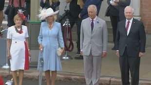Le prince Charles, Camilla Parker-Bowles, le gouverneur général David Johnston et sa femme Sharon Johnston.