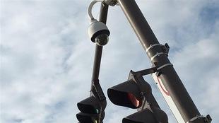 Feu de signalisation équipé d'un radar photo