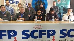 Le Conseil de la Nation Anishnabe de Lac Simon et le Syndicat canadien de la fonction publique (SCFP-Québec), qui représente les policiers de la communauté de Lac Simon, ont tenu un point de presse conjoint, mercredi après-midi.