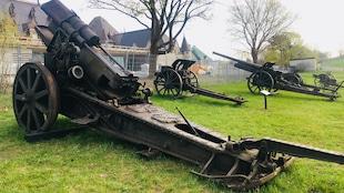 Des canons de la Première Guerre mondiale