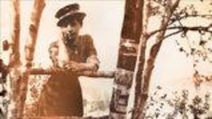 Page couverture du livre, illustré d'une photo d'époque montrant Magali Michelet accoudé à une clôture.