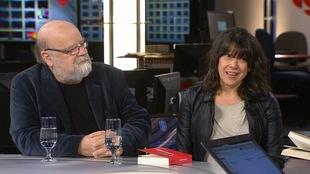 Serge Bouchard et Marie-Christine Lévesque répondent aux questions d'un animateur à Radio-Canada.