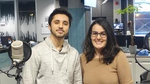 Farès Hamidi et Ania Mezouari dans les studios de Radio-Canada, Sudbury