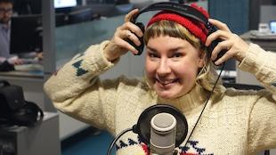 Claudine Gagné dans les studios de Radio-Canada à Sudbury