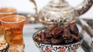 Des dattes et du thé pour casser le jeûne du Ramadan