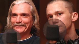 Gilles et Guillaume à l'écoute dans un studio de radio.